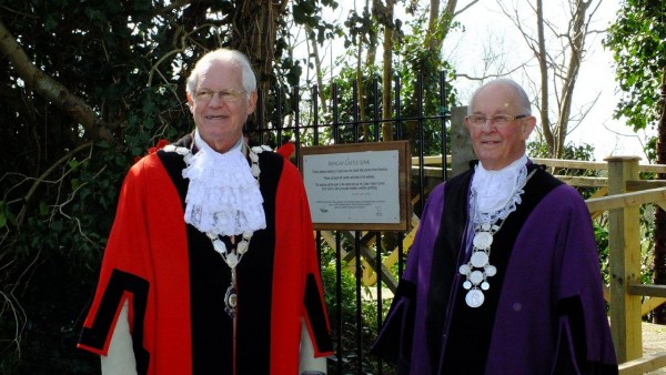 Bungay's Town Mayor and Town Reeve